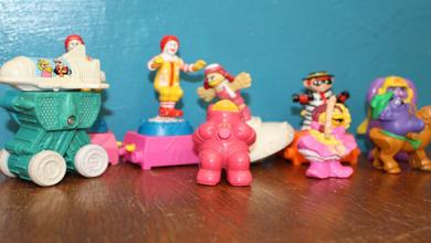 """الألعاب المرافقة لوجبات """"هابي ميلز"""" المخصصة للأطفال"""