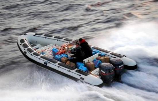 قارب سريع ،من إحباط محاولة لتهريب كمية من المخدرات