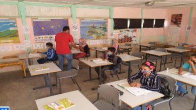 توزيع كمامات وسوائل التعقيم على تلاميذ بجماعة آيت داوود بإقليم الصويرة
