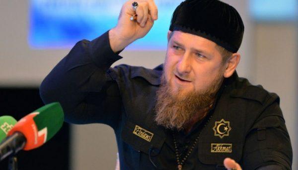 """قديروف يهاجم ماكرون: """"إحذر..! فأنت هو مشكلة العالم الإسلامي.. أنت زعيم وشعلة الإرهاب في فرنسا """""""