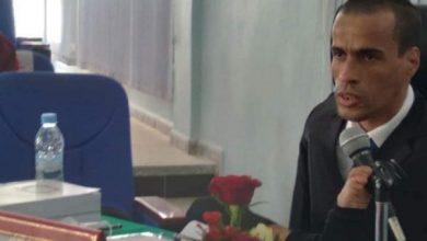 بتحدي الإعاقة، وبالإصرار والعزيمة، يحصل الطالب مبارك رحال على شهادة دكتوراه باستحقاق كبير