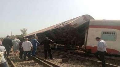 مصر… 11 قتيلا و 98 جريحا في حادث خروج قطار عن القضبان