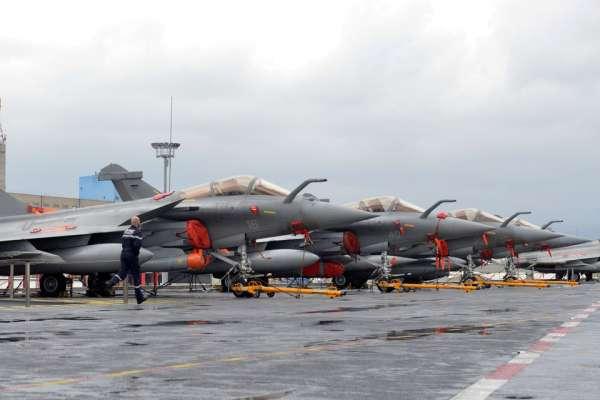 """وزارة الجيوش الفرنسية: طلبية مصر لمقاتلات رافال """"تعزز الشراكة الاستراتيجية"""" مع باريس"""
