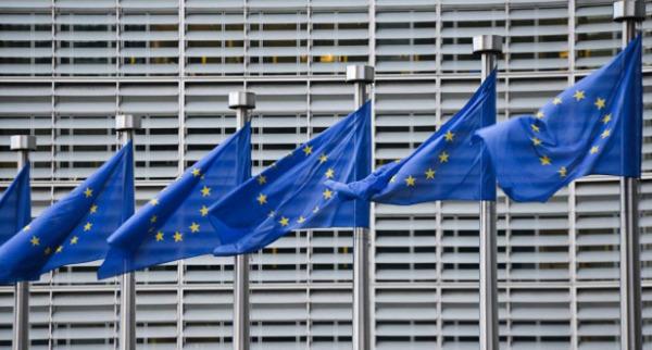 الاتحاد الأوروبي يرحب بفرض ضريبة على الشركات الكبرى