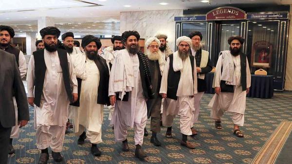 الولايات المتحدة تجري أول محادثات وجها لوجه مع طالبان منذ انسحابها من أفغانستان
